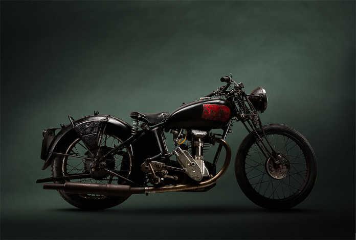 Ретро мотоцикл Excelior 1
