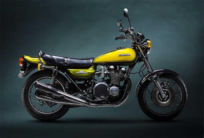 Ретро мотоцикл Kawasaki 1