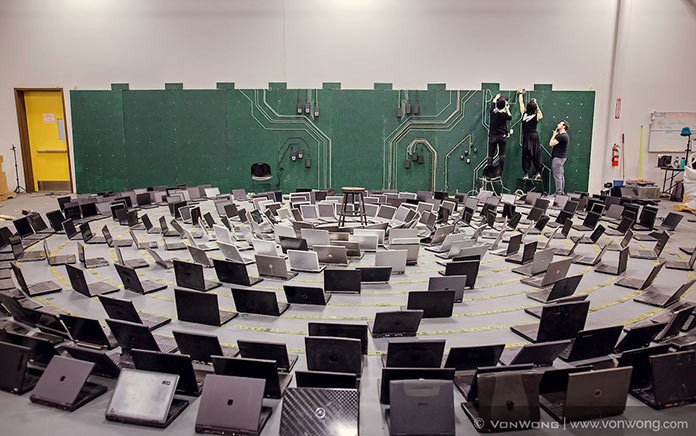 Вон Вонг превращает электронные отходы в постапокалиптический бэкграунд для своих фотографий