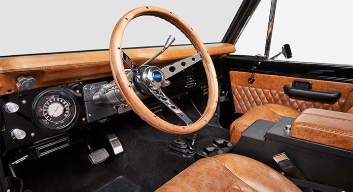 Обновленный Ford Bronco 1971 года, приборная панель