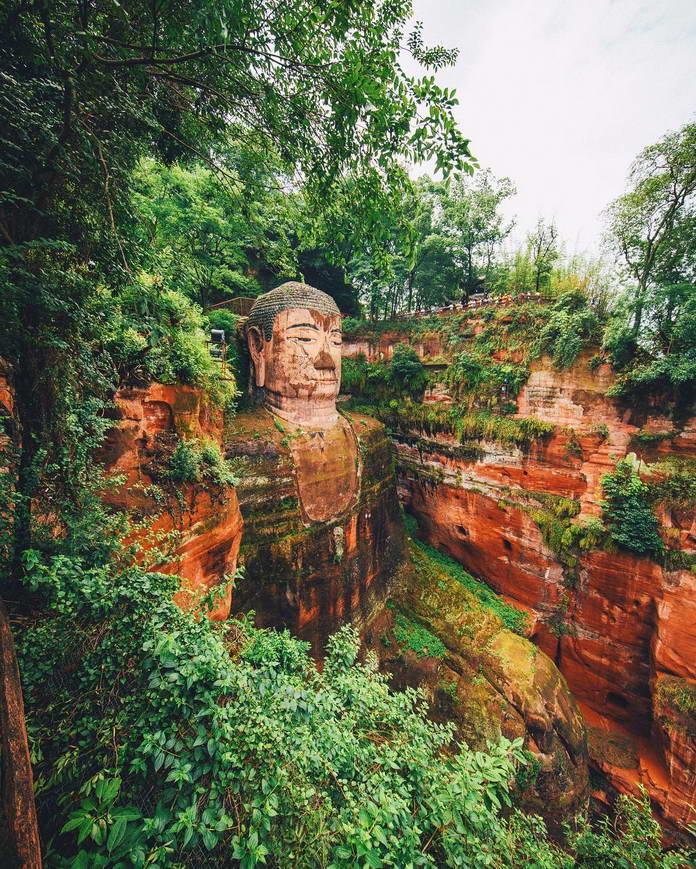 Гигантский Будда, Лешан, Китай, путешествия фото