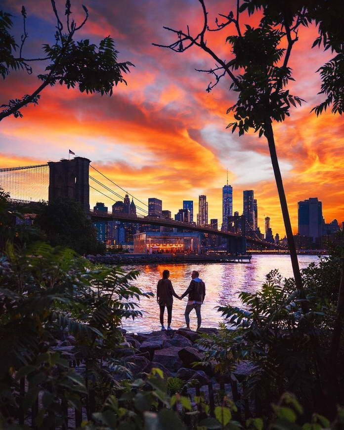 Парк у Бруклинского моста, Нью-Йорк, путешествия фото