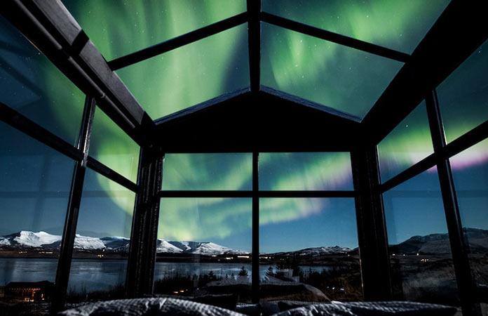 Панорамный мини-отель для наблюдения за северным сиянием Panorama Glass Lodge в Исландии
