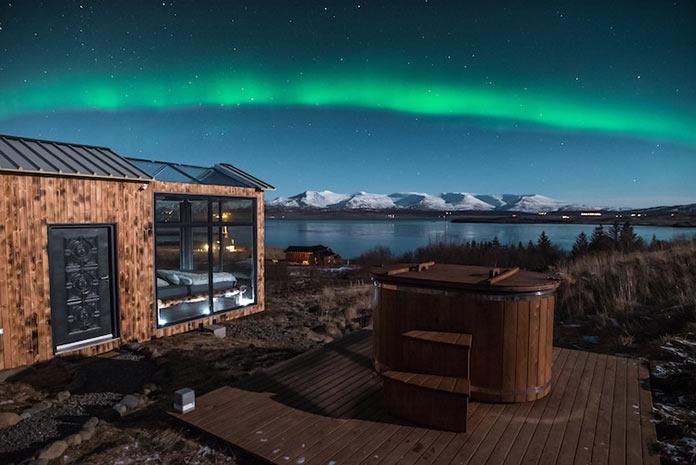 Панорамный мини-отель для наблюдения за небом Panorama Glass Lodge в Исландии