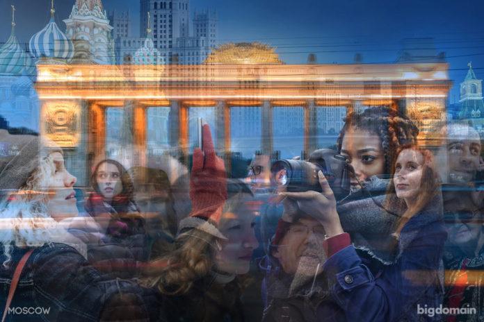 Ритм жизни Москвы, многослойное динамичное фото