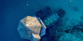 Ithaa - подводный ресторан отеля Conrad Maldives Rangali Island