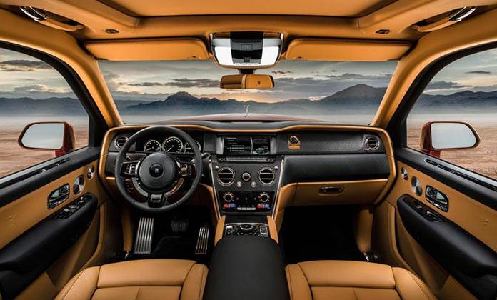 Интерьер салона. Rolls-Royce Cullinan SUV Magma Red