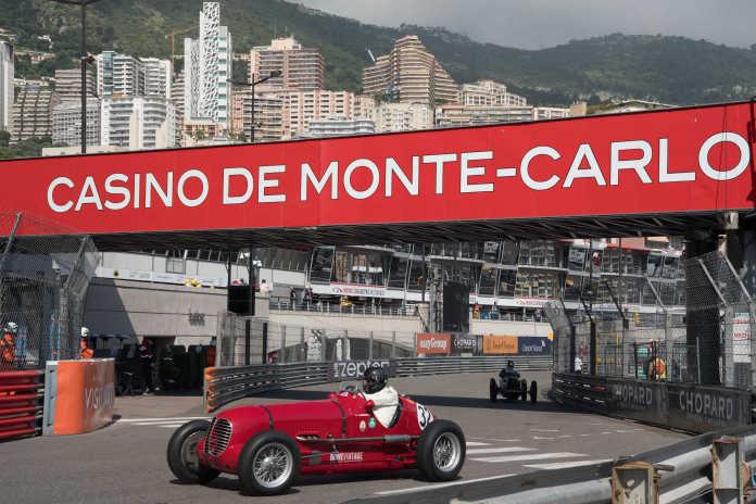 Maserati 6CM4C на гоночном треке