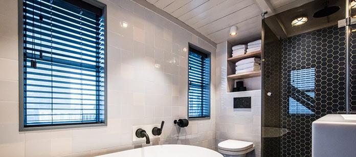 Ванная комната. Апарт-отель на подъемном кране в Амстердаме