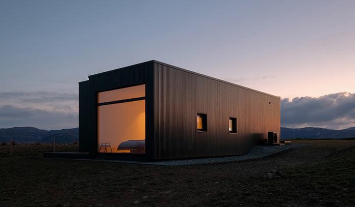 Мини-дом Black H House на острове Скай в северной Шотландии