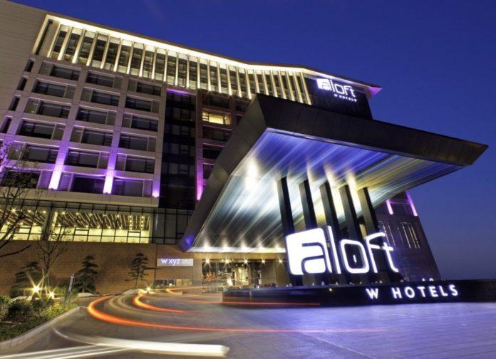 Отель в Дубае предлагает пожить как в кино