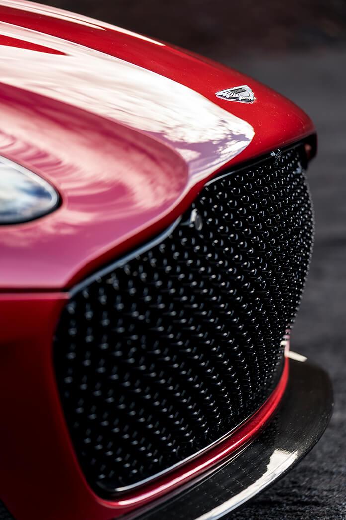 Радиаторная решетка Aston Martin DBS Superleggera 2018