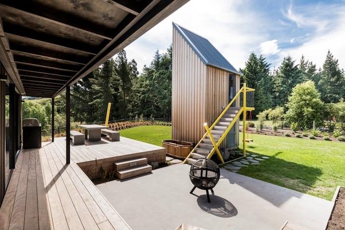 Вид на террасу. Загородный дом в Новой Зеландии