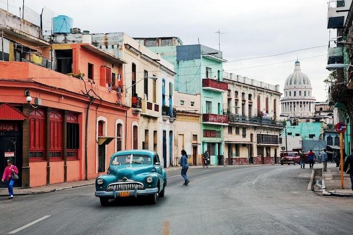 Гавана, Куба, улица, винтажный автомобиль
