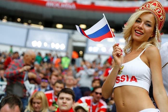 Наталья Немчинова - самая красивая русская болельщица