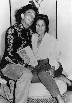 Сальвадор Дали с женой Галей