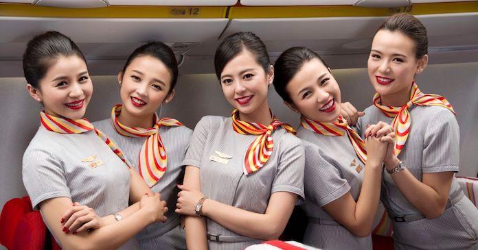 Бортпроводники Hainan Airlines