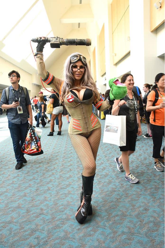 Горячие косплеерши на ComicCon 2018