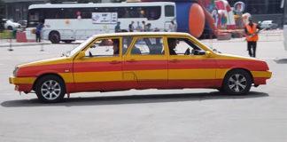 В новокузнецке изобретатель разработал уникальный автомобиль «Тяни-Толкай» с двойным управлением