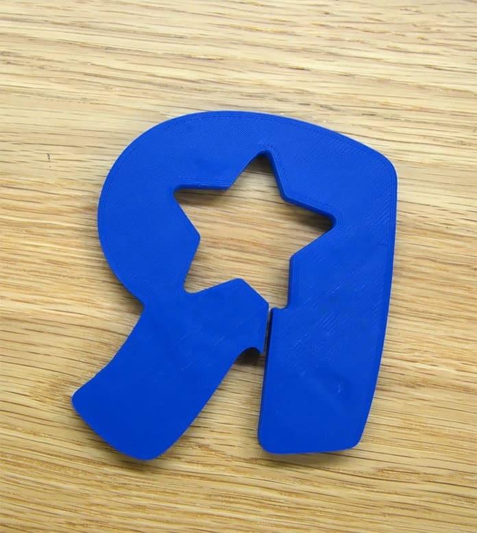 Babies «R». Дизайнер превращает логотипы именитых брендов в полезные вещи