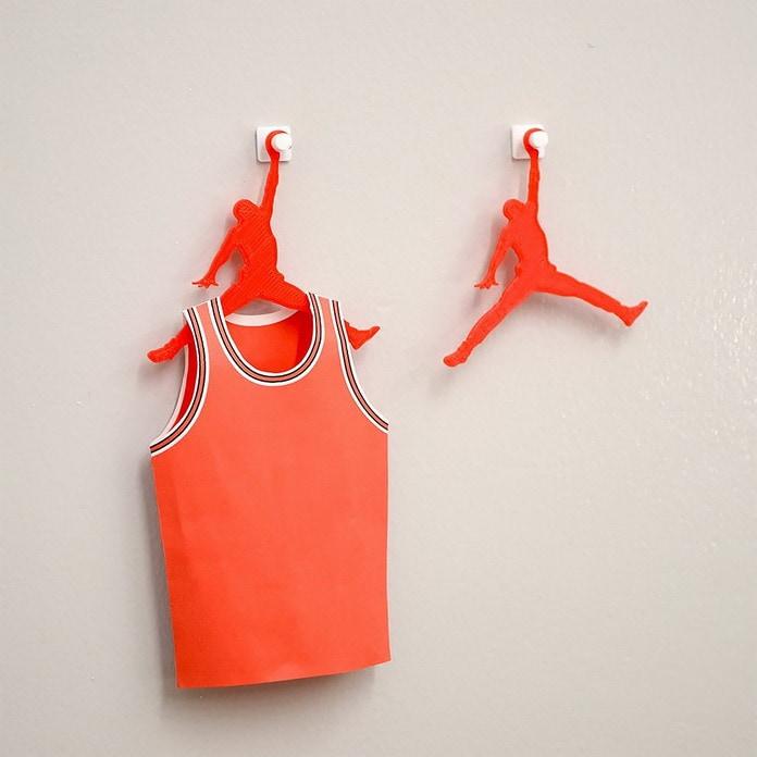 Air Jordan. Дизайнер превращает логотипы именитых брендов в полезные вещи