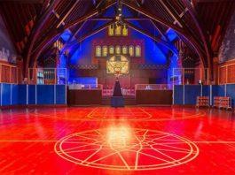 Nike сделала из старой церкви баскетбольный зал