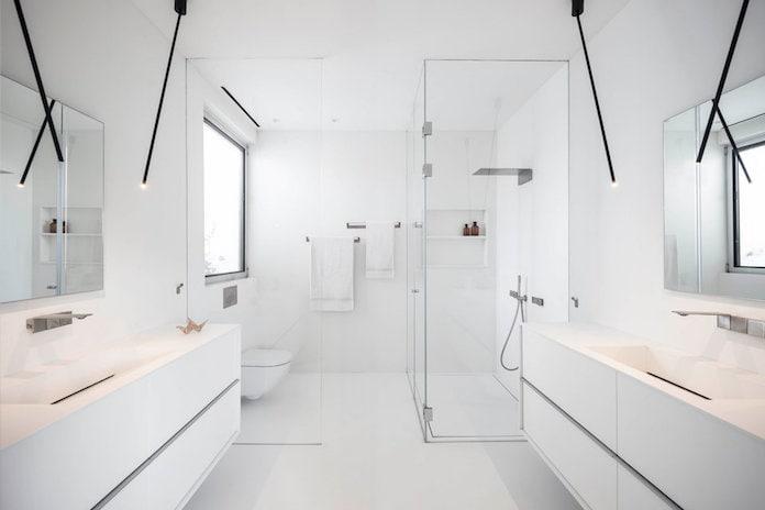 Белоснежная ванная комната. Дом Рамат-а-Шарон