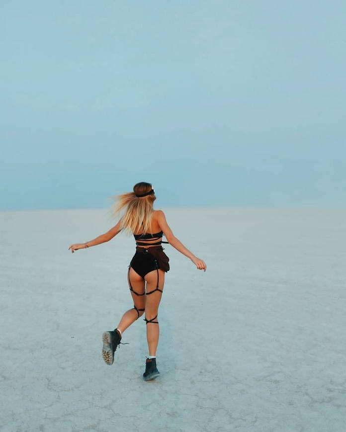 Девушки Burning Man 2018