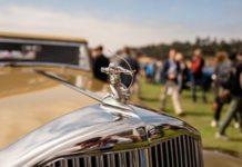 Винтажные автомобили на конкурсе Concours d'Elegance 2018 на пляже Pebble
