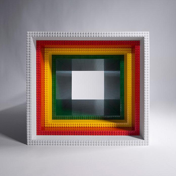 Журнальный столик из конструктора Lego