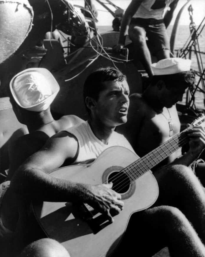 Джек Николсон с гитарой, молодые кинозвезды