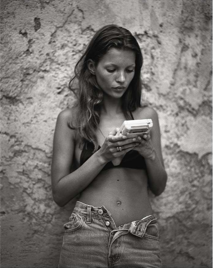 Юная Кейт Мосс, фотограф Марио Сорренти